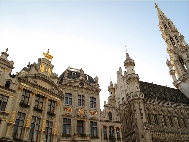 Guild Houses - Grand' Place Brussels © Charlie Phillips (https://creativecommons.org/licenses/by/2.0/)