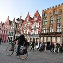 Market square Bruges - © Samuel Piker (https://creativecommons.org/licenses/by-nd/2.0/)