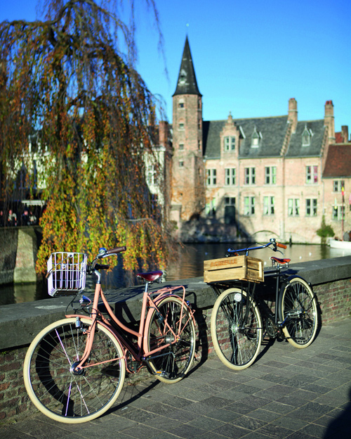 Cycling around Bruges - ©Wouter Van Vooren