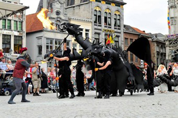 Three-headed dragon - Hanswijk Procession - Mechelen