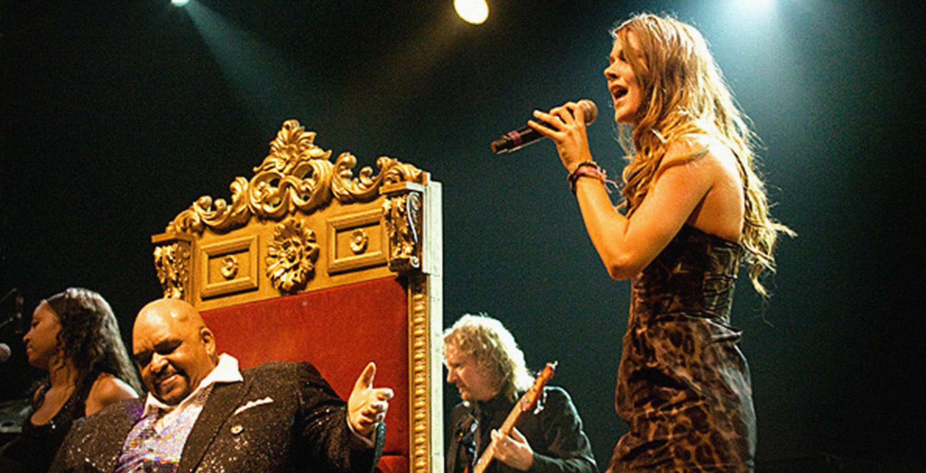 Joss Stone singing on Dranouter Festival