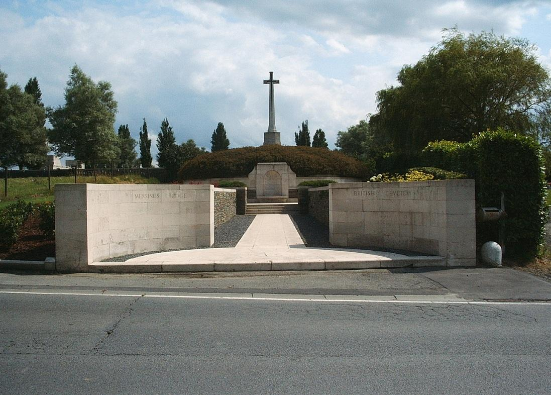 Messines Ridge Memorial to the Missing op de Messines Ridge British Cemetery