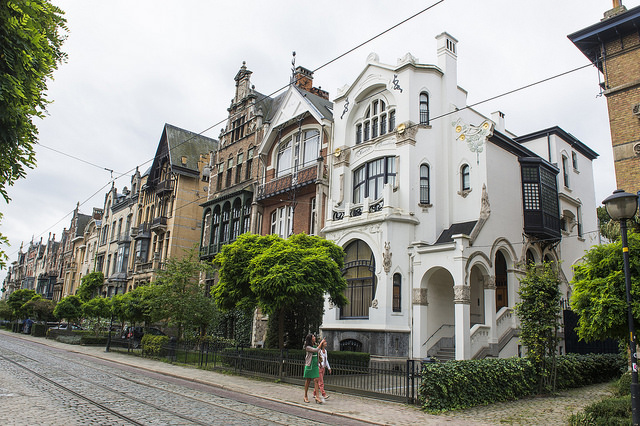 Cogels-Osylei - an eclectic style runs rampant next to the Art Nouveau buildings in the Zurenborg district of Antwerp © Kris Jacobs