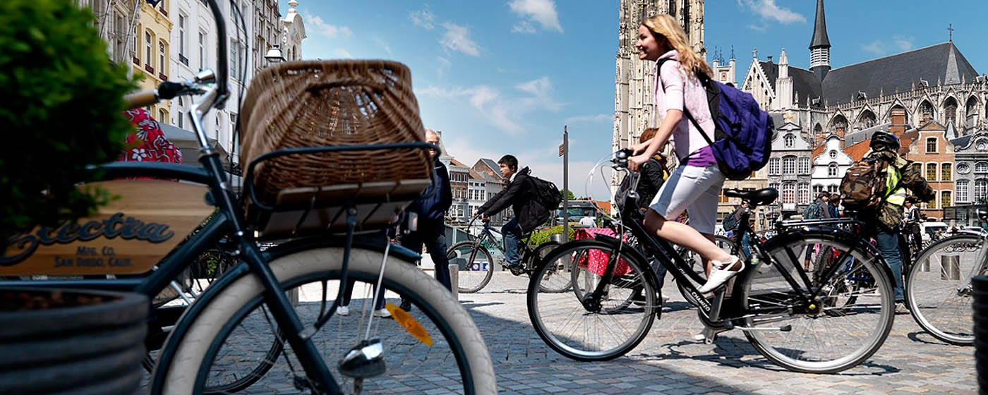Bicycles on the Grand Place of Mechelen - ©milo-profi