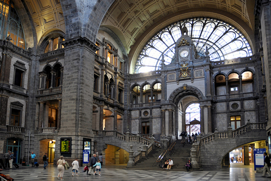 view of interior Central Station Antwerp - ©Antwerpen Toerisme & Congres