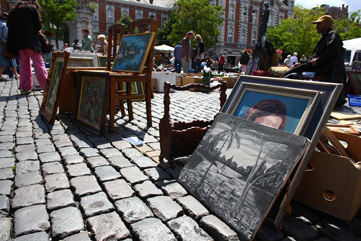 Paintings at the flea market in Brussels - CC License