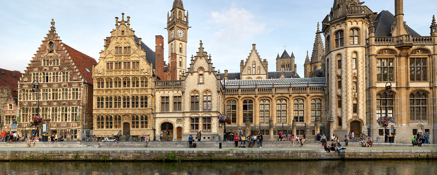 Ghent: a long the waterside - Graslei  ©Milo-Profi