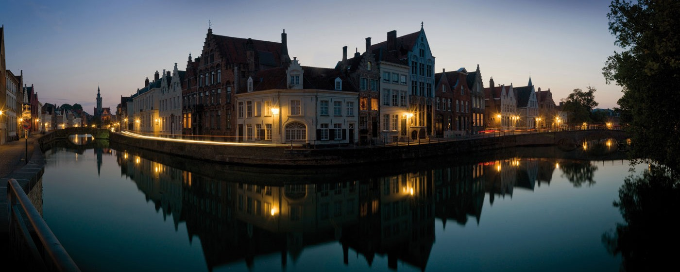Bruges - view on the Spiegelrei & the Lange Rei © Jan Darthet
