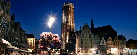 Terrace at Grand Place by night, Mechelen - ©Toerisme Mechelen